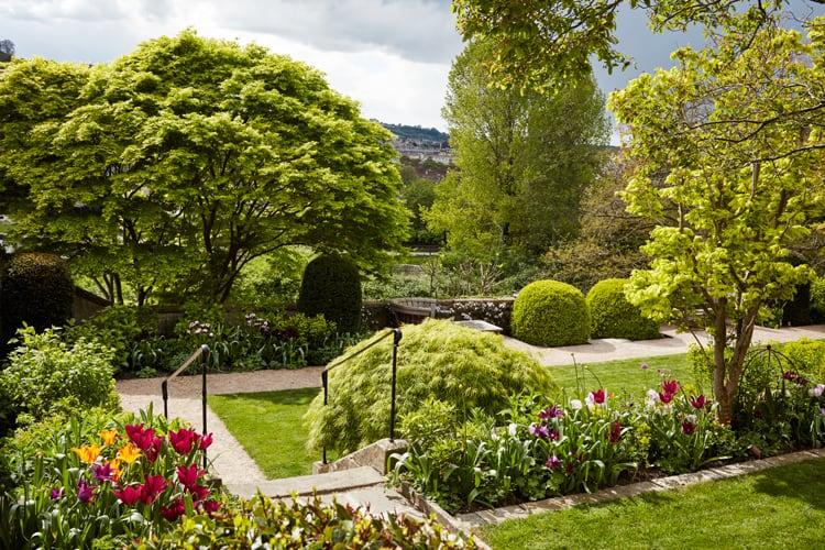 Butter wakefield garden design ltd the list house garden for Best garden design books uk